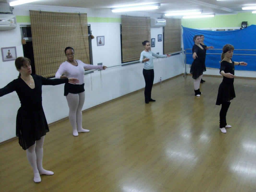 ca8be46931 Ballet Clássico - Livre Turma Adultos  ballet livre